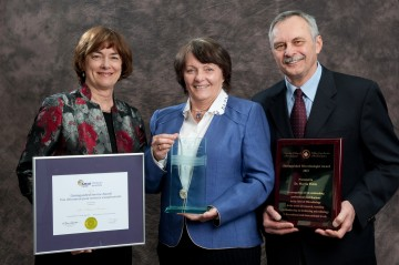 L - R: Diane Roscoe, Judith Isaac-Renton and Martin Petric receive awards at the Association of Medical Microbiology and Infectious Disease Canada's 2012 Annual Conference.
