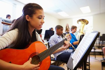 Music students perform better in school than non-musical peers