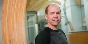 Leonard Foster awarded 2019 Killam Award for Excellence in Mentoring