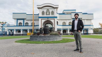 Bringing COVID-19 safety measures into B.C.'s Sikh temples